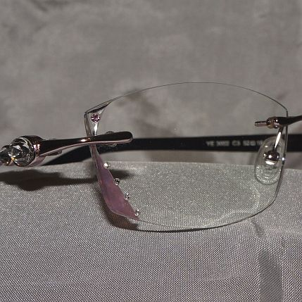 riverside-eye-care-faceted-eye-wear8